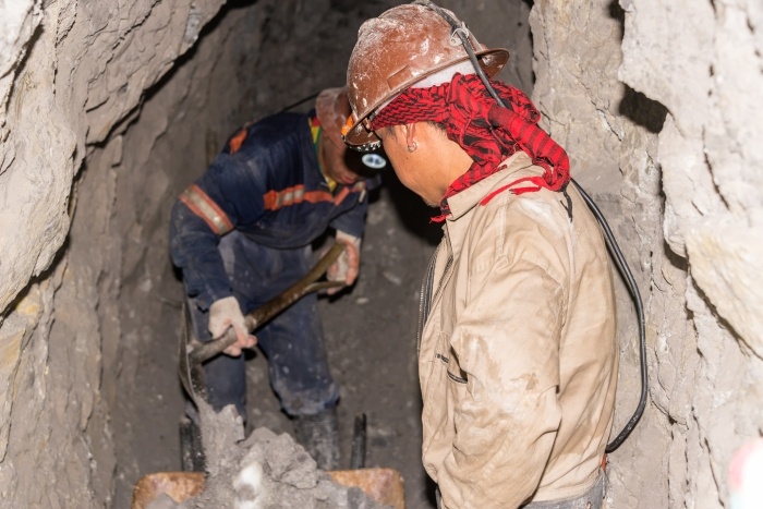 potosi_miners_working1
